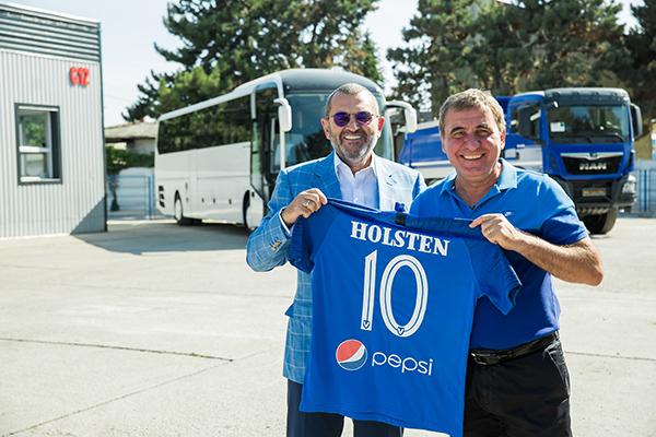 MHS Truck & Bus Group sarbatoreste 10 ani de parteneriat alaturi de Academia de fotbal Gheorghe Hagi